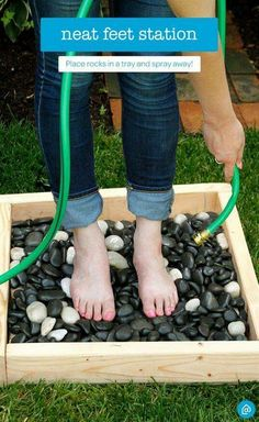 Keep the mess outside! After a long day of gardening or cleaning around the house, clean your feet with this DIY spray station using items from around your house like rocks and an old tray. For convenience, place near the hose. - My Garden Window Backyard Projects, Outdoor Projects, Garden Projects, Diy Projects, House Projects, Diy Garden, Garden Steps, Garden Oasis, Outdoor Fun