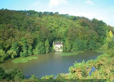 Longing to visit this lakeside house - just one minute from the sea too and in a superb Brittany location.