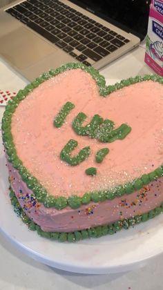 Pretty Birthday Cakes, Pretty Cakes, Beautiful Cakes, Amazing Cakes, Ugly Cakes, Cupcake, Pinterest Cake, Funny Cake, Just Cakes