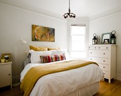 cheerful bedroom, via apartment therapy