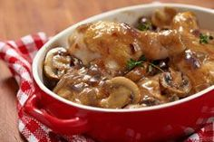 Poulet Chasseur - Marine And Land Vehicles Baked Chicken And Mushrooms, Stuffed Mushrooms, Mushroom Chicken, Pollo Guisado, Cooking Recipes, Healthy Recipes, Top Recipes, Best Chicken Recipes, Portuguese Recipes