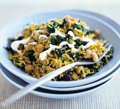 One pan spicy rice - chickpeas, raisins, cashew nuts, and yoghurt are all optional. Bbc Good Food Recipes, Rice Recipes, Veggie Recipes, Vegetarian Recipes, Cooking Recipes, Healthy Recipes, Cooking Rice, Veggie Meals, Veggie Food