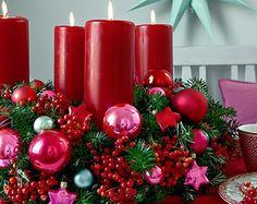 Was wäre die Vorweihnachtszeit ohne den klassischen Adventskranz? Überall kann man ihn in diesen Tagen finden. Doch kaufen das kann jeder. Wer es lieber persönlicher haben möchte bastelt sich sein Stückchen Harmonie einfach selber.
