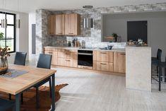 Novinka 2018. Kuchyňa LEANDRA vo farebnom vyhotovení Dub mountain. Hyde Park, House Design, Kitchen, Table, Furniture, Mountain, Home Decor, Interiors, Cooking
