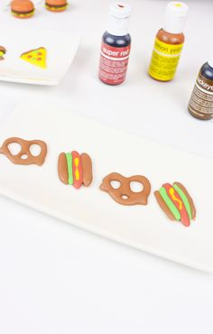 Learn how to make your own homemade DIY sprinkles ANY shape, size and design that you want! Diy And Crafts Sewing, Crafts For Kids, Sprinkles Recipe, Recipe Link, Recipe Community, Geek Out, Adventurer, Healthy Desserts, Junk Food