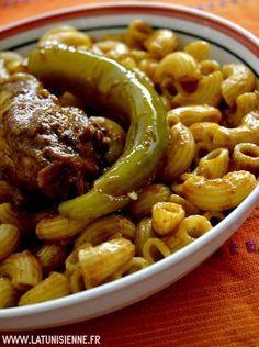 Pâtes tunisiennes au poulet fermier – Maqrouna be djej el3arbi | La TunisienneLa Tunisienne - Pretty standard Macarona