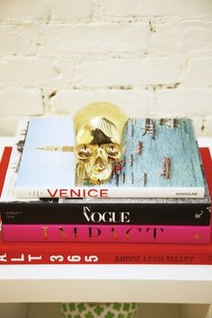 love the books with the shiny skull
