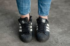 RED REIDING HOOD: www.redreidinghood.com Fashion blogger wearing adidas superstar black sneakers outfit details