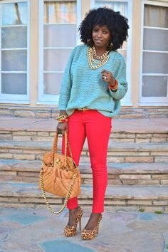 Natural hair and slouchy mint green sweater with red skinnies Estilo Fashion, Look Fashion, Autumn Fashion, Womens Fashion, Looks Style, Casual Looks, My Style, Fall Outfits, Cute Outfits