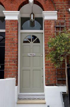 Modern front door design paint colours new ideas Door Design, Painted Doors, Victorian Front Doors, House Doors, Garage Doors, Entry Doors, Green Front Doors, Front Door Design