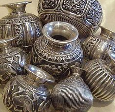 Rang-Decor {Interior Ideas predominantly Indian}: Shine on. Indian Jewelry Earrings, Jewelry Art, Silver Jewelry, Silver Teapot, Silver Vases, Antique Items, Antique Vases, Happy Anniversary Cakes, Silver Pooja Items