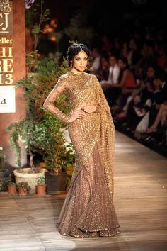 23 Amazing Blouse Designs for Golden Sarees Heavy Beads And Stone Worked Saree With Full Sleeve Blouse Sabyasachi Sarees, Lehenga Choli, Anarkali, Indian Sarees, Net Saree, Pakistani, Indian Dresses, Indian Outfits, Indian Attire