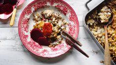 Liha-makaronilaatikko on kotiruokien kunkku. Poimi tästä helppo makaronilaatikon ohje, isosta vuoallisesta riittää syötävää seuraavaksikin päiväksi. Easy Cooking, Ricotta, Pasta, Koti, Dinner, Ethnic Recipes, Dining, Food Dinners, Easy Recipes