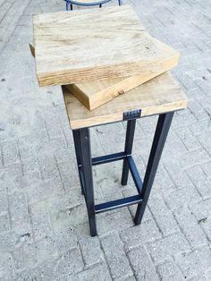 Industriële Barkrukken leverbaar met verschillende soorten houten zittingen. Ook is het mogelijk om de kruk onderstellen te laten spuiten in de gewenste kleur. Vraag naar de mogelijkheden Info@steelwork.nl
