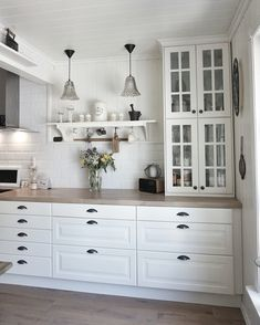 home kitchens cabinets / home kitchens . home kitchens ideas . home kitchens small . home kitchens cabinets . home kitchens design . home kitchens indian . home kitchens modern . home kitchens organization Ikea Kitchen Design, Kitchen Cabinet Design, Kitchen Decor, Kitchen Ideas, Ikea Kitchen Inspiration, Kitchen Interior, Kitchen Colors, Glass Kitchen Cabinet Doors, Coastal Interior