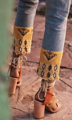 Bryanna Bach Cincinnati fashion and travel blogger | Currently trending- embroidered denim, detailed denim hems, wrap heels, tie heels, cognac, bandana pattern, casual outfits, street style outfits 2017