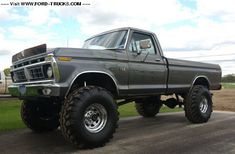 I totally prefer this finish color for this lifted ford 1979 Ford Truck, Ford 4x4, Ford Pickup Trucks, Trucks Only, Cool Trucks, Big Trucks, Lifted Trucks, Future Trucks, Classic Ford Trucks