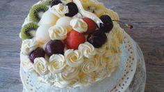 Как приготовить праздничный фруктовый торт с взбитыми сливками