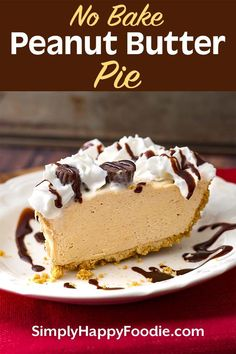 No Bake Peanut Butter Pie has only 5 ingredients, but it tastes like you worked all day to make it! A creamy and sweet pie with delicious flavor that will satisfy the peanut butter lovers out there! This tasty peanut butter pie is perfect for a potluck, a Easy Peanut Butter Pie, Peanut Butter Desserts, Peanut Butter Cheesecake, Köstliche Desserts, Peanutbutter Pie No Bake, Easy Potluck Desserts, No Bake Cheesecake, Chocolate Peanut Butter, Dessert Oreo