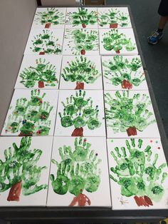 Christmas tree hands early years