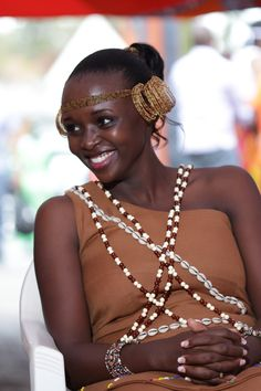 Really like these traditional african fashion 7362 Kenyan Wedding, African Wedding Attire, Ethnic Wedding, African Attire, African Wear, African Outfits, African Weddings, Traditional Wedding Decor, Traditional Dresses