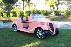 Pink Roadster Custom Golf Cart Here's another I found online @Florencia Lebensohn-Chialvo Lebensohn-Chialvo Lebensohn-Chialvo Carballo Romo  I haven't yet seen a pink one here that was parked so I could get a picture of it. Saw the Easter bunny drive by in a pink truck cart, though.