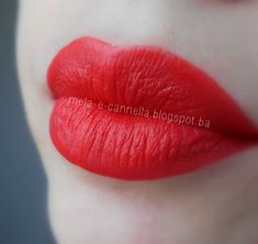 mela-e-cannella: Avon True Color Matte Lipstick - Coral Fever