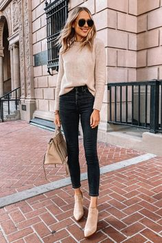 Fashion Jackson Wearing Jenni Kanye Beige Sweater Black Jeans Tan Suede Booties Source by fashion_jackson Outfits weekend Beige Outfit, Neutral Outfit, Neutral Style, Mode Outfits, Stylish Outfits, Fashion Outfits, Jeans Fashion, Casual Women's Outfits, Autumn Outfits Women