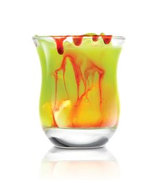 Whip up a Vampire's Kiss, a fun Halloween drink made of SKYY blood orange vodka, Midori, pineapple, and cream – and a special dripping blood effect. Vodka Cocktails, Cocktail Drinks, Cocktail Recipes, Alcoholic Drinks, Drink Recipes, Skyy Vodka, Cocktail Shaker, Halloween Cocktails, Holiday Cocktails