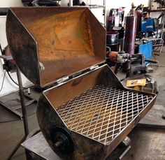 Discover thousands of images about Homemade bbq pipeline pup Bbq Pit Smoker, Fire Pit Bbq, Bbq Grill Diy, Grilling, Gas Bottle Wood Burner, Barrel Bbq, Metal Bending Tools, Welded Furniture, Brick Bbq