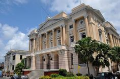 Discover the world through photos. Cuban, Revolution, Multi Story Building, Mansions, House Styles, City, World, Travel, Santiago De Cuba