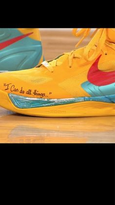 Stephen Curry and his shoes. 54 points at Madison Square Garden! Love And Basketball, Nike Basketball, Curry Basketball, Gym Tank Tops, Workout Tank Tops, James Harden Shoes, On Shoes, Nike Shoes, Kevin Durant Shoes