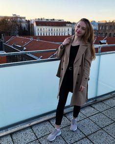 🌇 Coat, Jackets, Fashion, Down Jackets, Moda, Sewing Coat, Fashion Styles, Peacoats, Fashion Illustrations