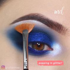 --Video Pin-- You won t feel blue after wearing this shadow! Hazel Eye Makeup, Blue Eye Makeup, Eye Makeup Tips, Makeup Goals, Makeup Inspo, Beauty Makeup, Makeup Inspiration, Glam Makeup, Blue Eyeshadow