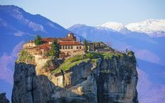 Monastery of the Holy Trinity, Meteora, Greece Beautiful Islands, Beautiful Places, Amazing Places, The Holy Mountain, Best Mountain, Greece Travel, Greek Islands, National Parks, Places To Visit
