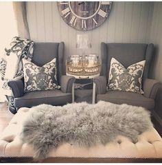 Happy Monday💙 Ønsker dere en fin mandag💙 skjekk ut det vakre hjemmet til nydelige  @homebygry ⬅ #onetofollow måå følges🙌😍 . . #sfs #onetofollow #inspiration #beautiful #perfect #hem_inspiration #lovelyinterior #homedesign #interior4you1 #interior #interior9508 #inspire_me_home_decor #love #shoutout #interiorharmoni #finehjem #vakrehjem #classyinteriors #pretty #home_and_decor1 #follow #interior123