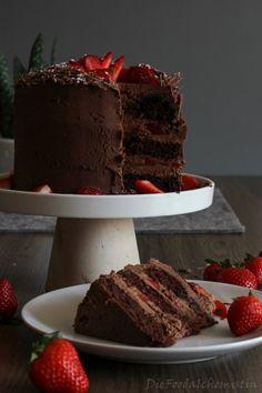 Chocolate Strawberry Träumchen-Schoko-Erdbeer-Träumchen Chocolate strawberry dream – the food chemist - Strawberry Desserts, Chocolate Strawberries, Naked Cakes, Bolo Cake, Food Cakes, Coffee Cake, Tasty Dishes, Chocolate Cake, Cake Recipes