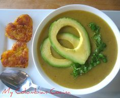 Sopa de Platano or Plantain Soup New Recipes, Soup Recipes, Cooking Recipes, Drink Recipes, Vegetarian Soup, Vegetarian Recipes, Colombian Cuisine, Colombian Recipes, Puerto Rico Food