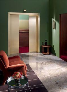 années-70-wallpaper-motel-space-story-matthew-morris-huskdesignblog2