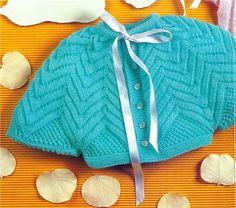 Olá amigas(os)!! Vejam que graça esse casaquinho para bebe, tipo pelerine. Adorei a idéia!! Abaixo o gráfico do pto em trico: ...