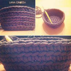 Garne vom sthirt gehäkelt als Korb  Gute Idee  Garne, Merino Wool Blanket, Good Ideas, Basket