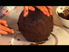 Cakes by Toni. The soccer ball. Gambero Rosso Channel. Part 1 / 2