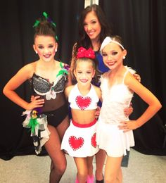 Kendall, Mackenzie, and Maddie with Gianna @ nationals