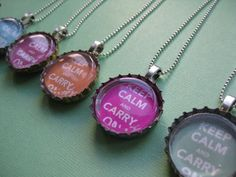 Peace Out Mother Earth Upcycled Bottle Cap Necklace Tutorial Crafty, cheap, easy, and cute! What you need: used bottle caps. How to make a bottle cap necklace Bottle Cap Magnets, Beer Bottle Caps, Bottle Cap Art, Beer Caps, Diy Bottle Cap Crafts, Beer Cap Crafts, Bottle Cap Projects, Bottle Cap Jewelry, Bottle Cap Necklace
