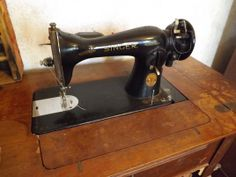 I love vintage sewing machines. I use mine all of the time. Vintage Sewing Machines, Wooden Spools, Retro Vintage, Life, Clothes, Outfits, Clothing, Kleding, Outfit Posts