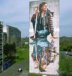 Opera dello street artist australiano Fintan Magee a Oostende, Belgio.