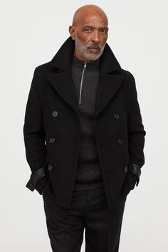 Double-breasted pea coat in felted wool-blend fabric with notched lapels. Smart Dressed Man, Well Dressed Men, Stylish Mens Fashion, Best Mens Fashion, Older Mens Fashion, Peacoat Outfit, Herren Outfit, Men Style Tips, Grunge Outfits
