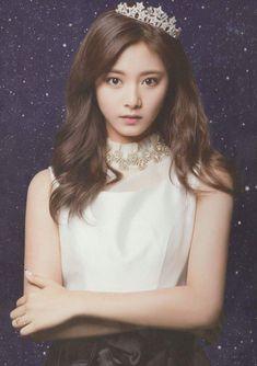 Tzuyu Nayeon, Kpop Girl Groups, Korean Girl Groups, Kpop Girls, Korean Beauty, Asian Beauty, Asian Woman, Asian Girl, Twice Photoshoot