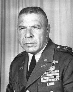 """Colonel Arthur """"Bull"""" Simons, vietnam veteran news, mack payne"""