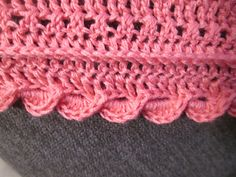 "Ravelry: ""ELLEA"" Dreiecktuch gehäkelt pattern by Lucia Karall Ravelry, Crochet, Accessories, Fashion, Triangles, Simple, Cotton, Patterns, Crochet Hooks"